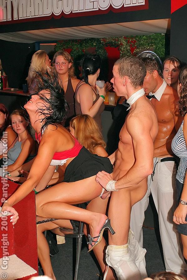 смотреть секс в клубе фото